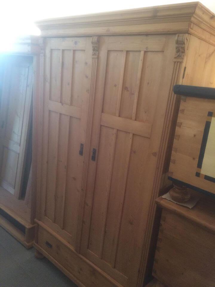 two door wardrobe